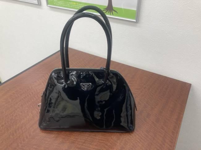 プラダ・エナメル・ハンドバッグを買取|広島|広島五日市店