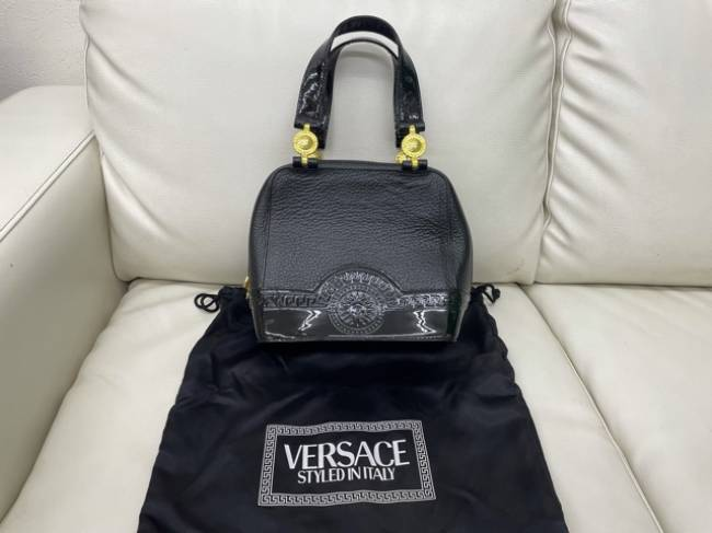 ヴェルサーチ・エナメル・ハンドバッグを買取|川口|西川口店