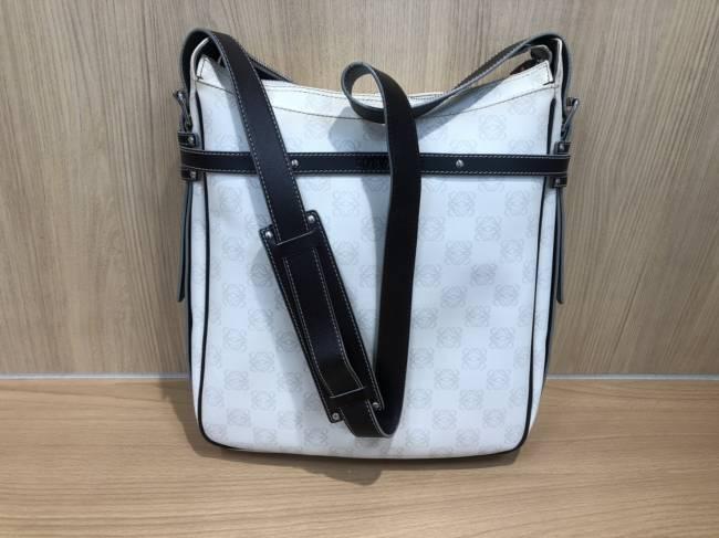 ロエベ・アナグラム・PVC×レザー・ショルダーバッグを買取|所沢|所沢店