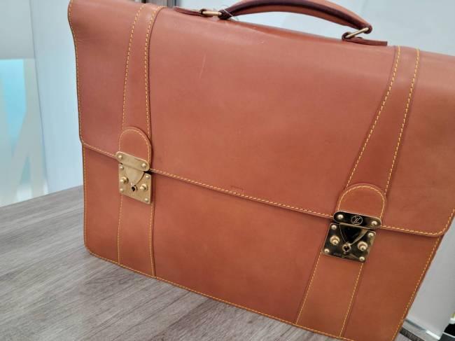 ルイヴィトン・ノマド・ビジネスバッグを買取|東京・港区|白金台プラチナ通り店