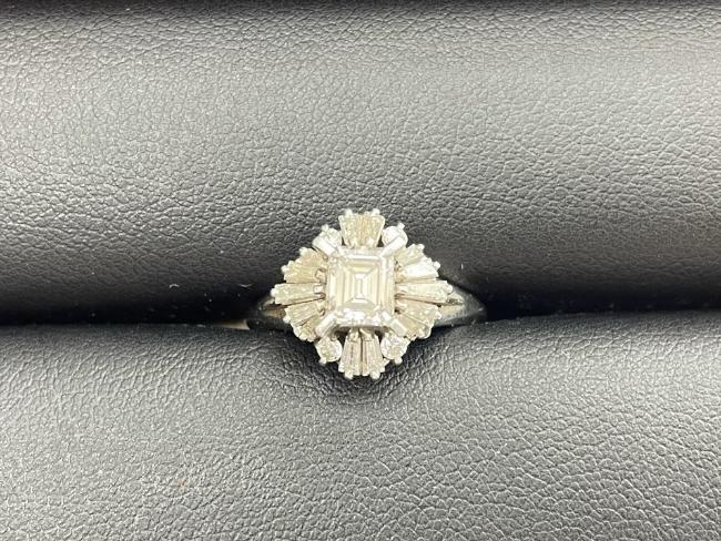 貴金属・PT900 エメラルドカット・0.57ct/0.68ct・リングを買取|名古屋|名古屋大曽根店