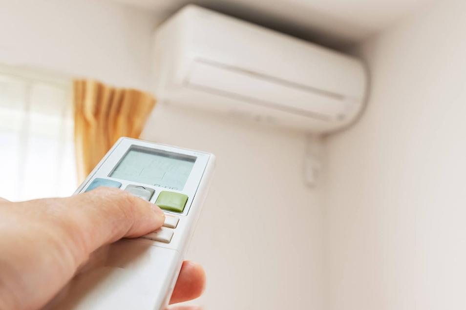 【クーラーのお手入れ】エアコン清掃業者「直伝」の方法が簡単すぎる