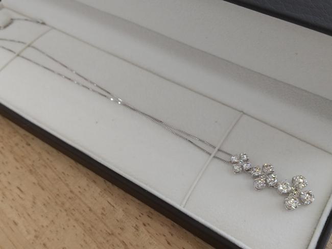 貴金属・ダイヤモンドトップ・ネックレス・K18WGを買取|姫路|広畑店