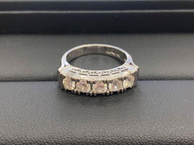 Pt900・ダイヤリングを買取|市川|市川店