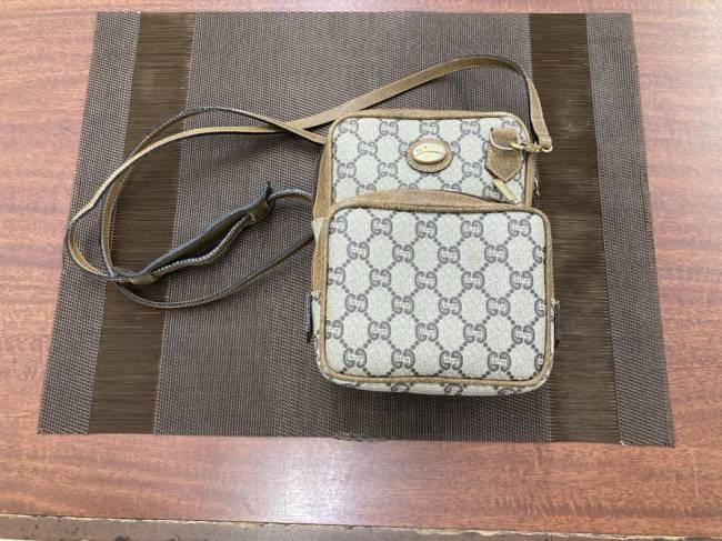 グッチ・オールド・PVCショルダーバッグを買取|広島|広島西店