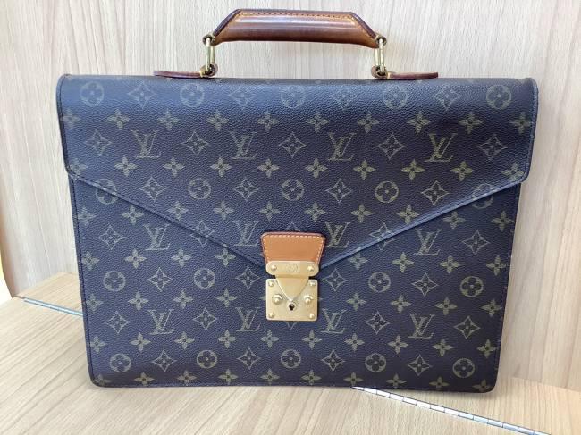 ルイヴィトン・モノグラム・コンセイユ・M53331を買取|奈良|学園前登美ヶ丘店