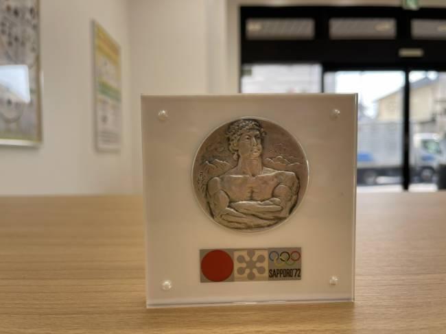 メダル・札幌オリンピック・純銀メダルを買取 東京・練馬区 大泉学園店