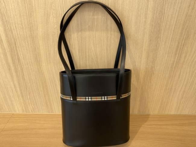 バーバリー・レザートートバッグを買取 豊田 豊田下市場店
