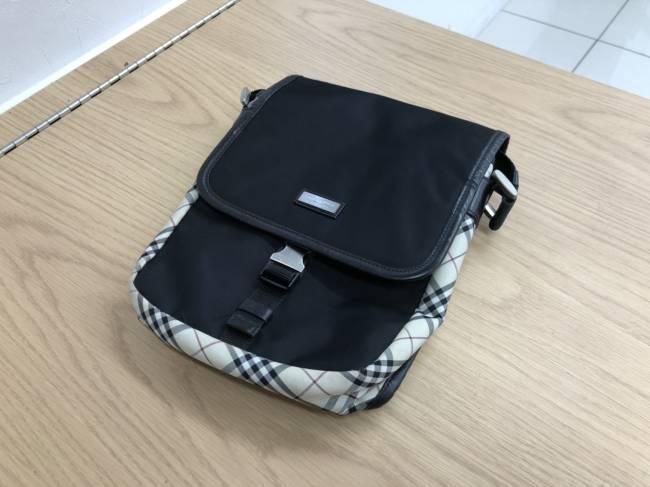 バーバリー・ブラックレーベル・チェック柄・ナイロン・ショルダーバッグを買取|埼玉|上尾店