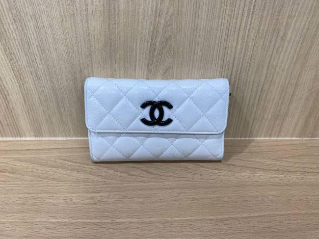 シャネル・三つ折り財布