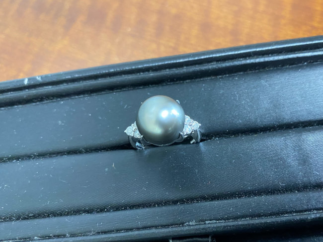 貴金属・Pt900 黒蝶パール13mm/D0.30リングを買取|神戸|兵庫店