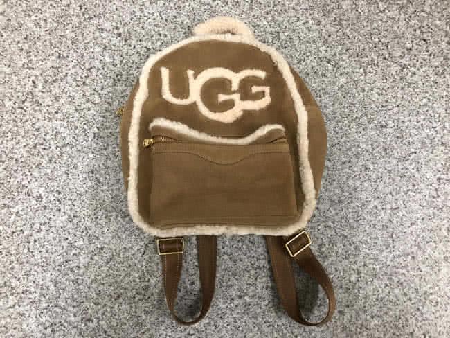 UGG・ムートン・ロゴリュック